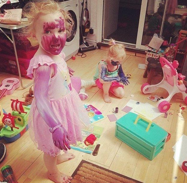 Дети способны перемазаться так, как и не снилось взрослым! бардак в доме, беспорядок, великобритания, дети, дети и беспорядок, конкурс, малыши, хаос