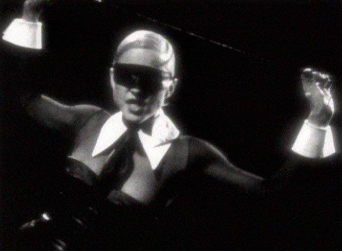 Музыкальный клип Erotica благотворительная деятельность, и такое бывает, мадонна, собака, собака - улыбака, фотограф, фотопроект, фэшн