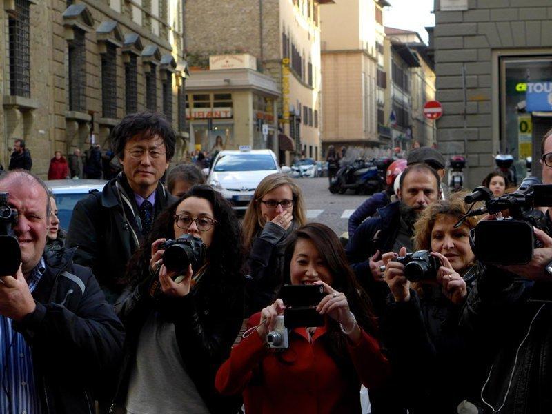 12. Раздражают и большие тургруппы с фотоаппаратами и гидом, которые мешают осматривать достопримечательности другим туристам отдых, отпуск, русские туристы, туристы, фото