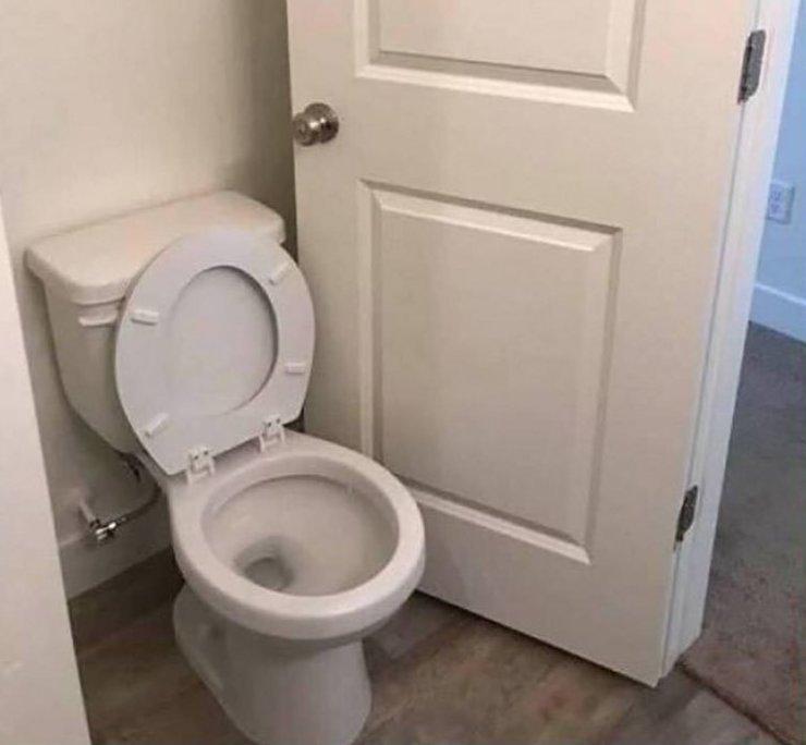 Прекрасно дверь установили благоустройство, все для людей, занимательно, прикол, юмор