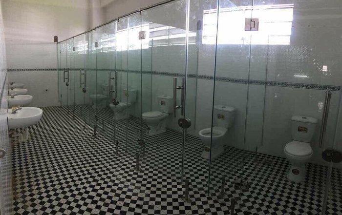 Общественный туалет интровертов благоустройство, все для людей, занимательно, прикол, юмор