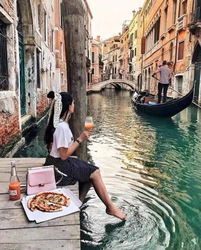 Доставка пиццы в Венеции день, животные, кадр, люди, мир, снимок, фото, фотоподборка