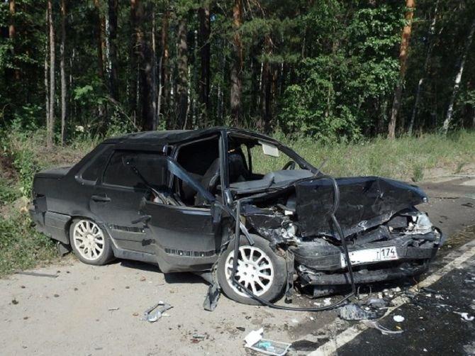 Виновник аварии ранее был лишен водительского удостоверения. 66-летний водитель ВАЗ-2107 погиб на месте ДТП. авария, авария дня, авто, авто авария, ваз, видео, дтп, смертельное дтп