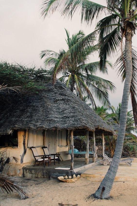 13. Где-то в лесах Танзании Красивые дома, Пляжный домик, бунгало, на море, отпуск, природа, у моря