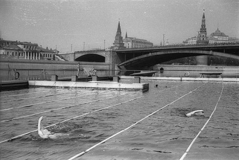 Бассейн в Москва-реке. 1938 год исторические фотографии, история, редкие фотографии