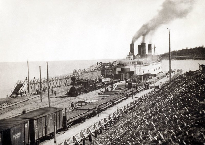 Разгрузка ледокола-парома на Байкале. 1903 год исторические фотографии, история, редкие фотографии