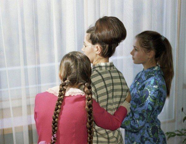 Валентина Гагарина с дочерьми Еленой и Галиной СССР, гагарин, история, факты