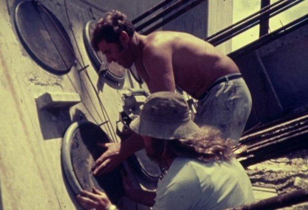 Фильм рассказывает о возведении арочного моста Рип-Бридж на Центральном побережье Нового Южного Уэльса австралия, архив, кадр, мост, рабочий, строитель, строительство