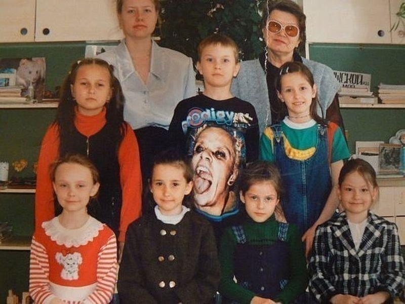 Это были 90-е, мы одевались как могли взглянуть дважды, показалось, прикол, юмор