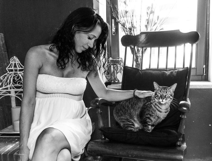 Альберт и Надя ждут Агату беременность, беременные и кошачьи, домашние животные, женщины и кошки, кошки, предубеждения, фото, фотопроект