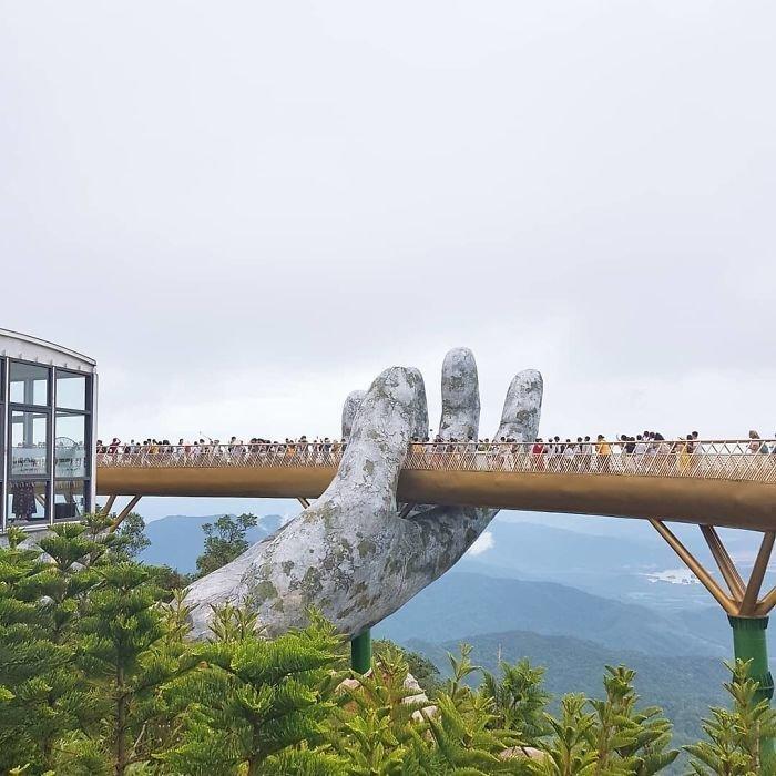 Во Вьетнаме построили мост, который держат гигантские ладони Вьетнам, в мире, красиво, мост, необычный дизайн, путешествия, строительство, туризм