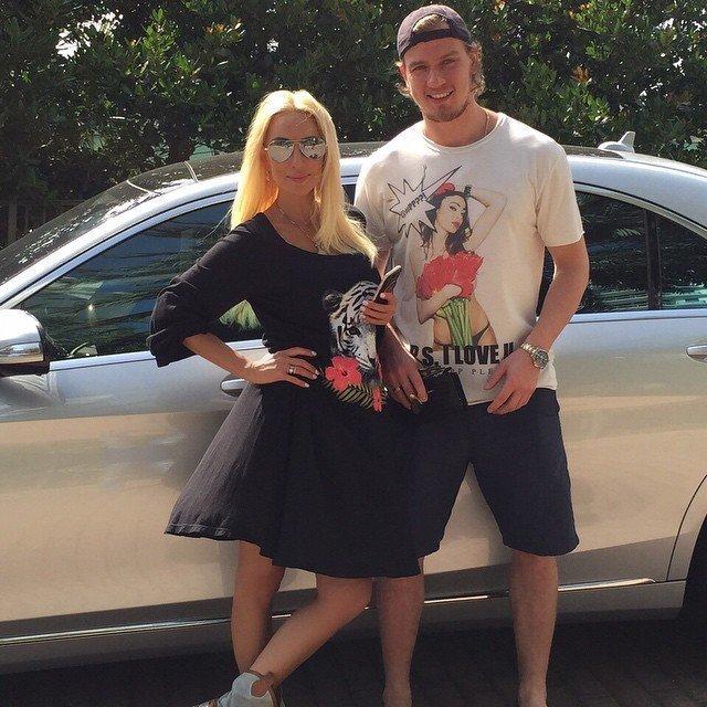 6. Лера Кудрявцева замужем за хоккеистом Игорем Макаровым звезды, знаменитости, любовные отношения звезд, неравный брак