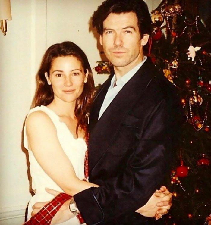 Актер познакомился с журналисткой Кили Шэй Смит в Кабо-Сан-Лукасе в 1994 году Броснан, Любовь, актер, годовщина, звезды, знаменитости, пара, семья
