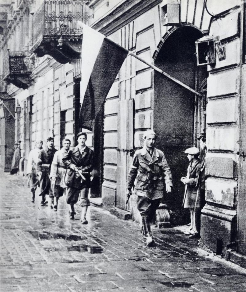Генерал Коморовский начинает и требует помощи. варшавское восстание, вов, история