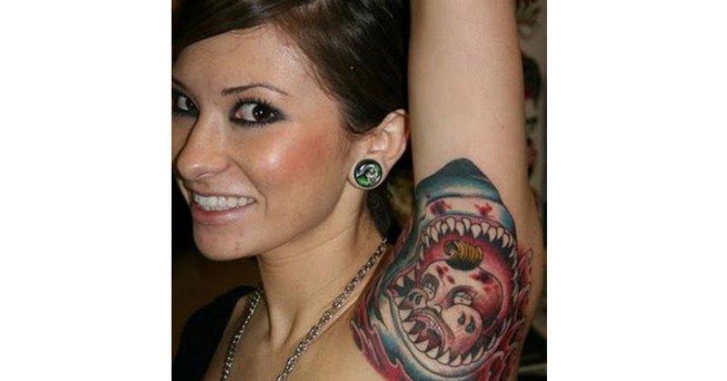 4. Наверное, она совершенно не чувствует боль, раз решилась сделать тату на этом месте. Еще и такую странную. абсурд, ошибка, плохое качество, страх, тату, татуировка