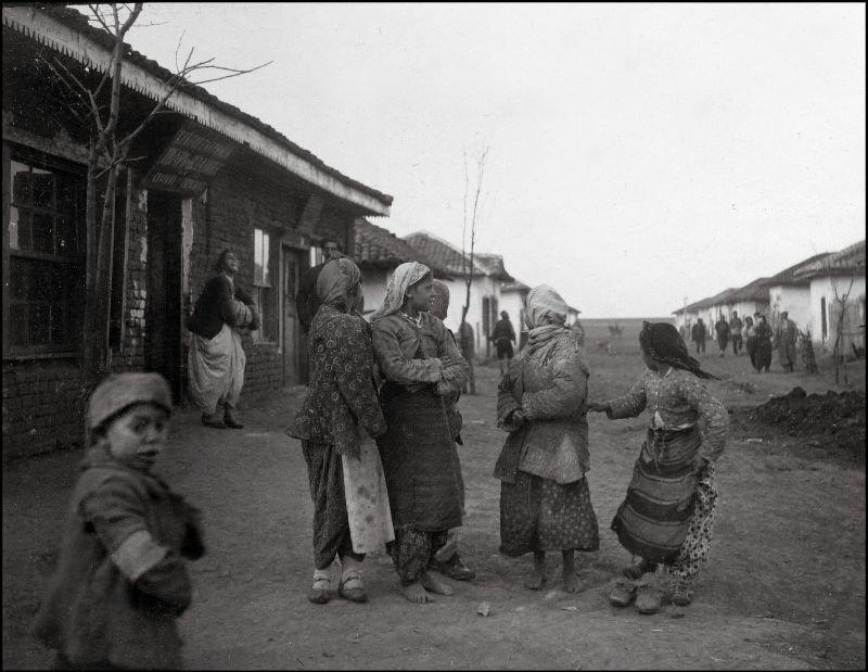 Сплетни на улице ХХ век, балканы, болгария, история, начало века, фотография