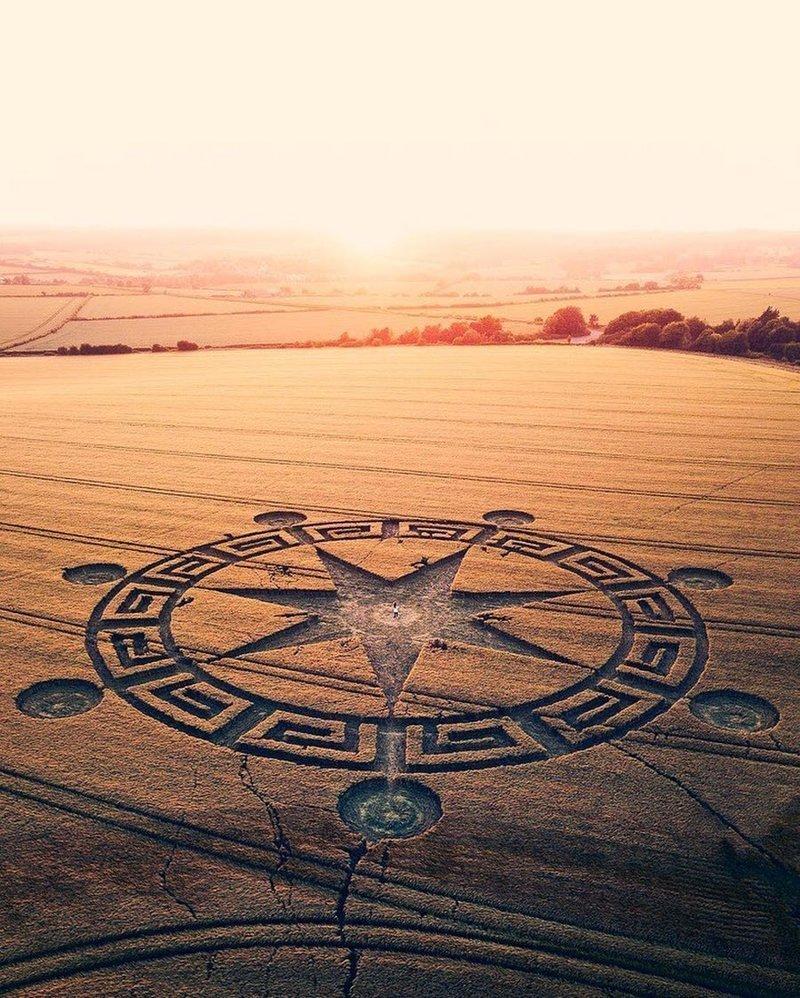 Рисунки на полях. Великобритания дроны, фото с высоты, фотографии с дронов, фотография
