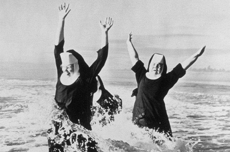 И купаются в море Монастырь, Монахини, интересное, отдых, служители бога, фото, юмор