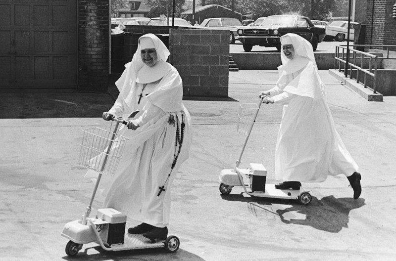 Монахини играют в разные игры, и веселятся по полной Монастырь, Монахини, интересное, отдых, служители бога, фото, юмор