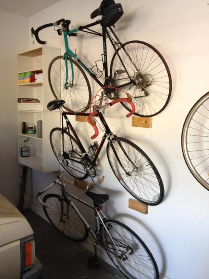 Хранение велосипедов в малогабаритных квартирах lifehack, идеи для дома, идеи для зала, идеи для спальной комнаты, крутота, полезности, хитрости