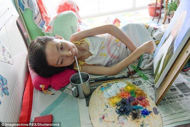Небольшая передышка для того, чтобы попить воды болезнь, жажда жизни, инвалид, картины, китай, сила духа, художница, художница-инвалид