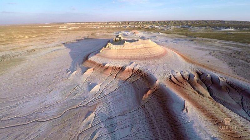 7. Устюрт - пустыня и плато в Казахстане  интересно, планета земля, природа, удивительное рядом, факты о земле, факты о нашей планете