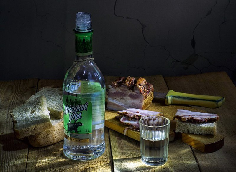 Николай Ляпин. Ностальгические натюрморты с водочкой Водочка, Николай Ляпин, натюрморт