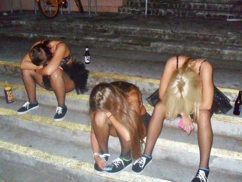 Буйных пьяных девушек успокоили яйцами в Уфе ynews, видео, девушки, интересное, пьяные девушки, фото, яйца