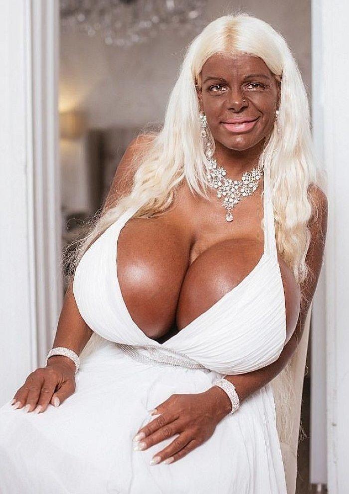 Мартина Биг в мире, внешность, грудь, девушка, кошмар, люди