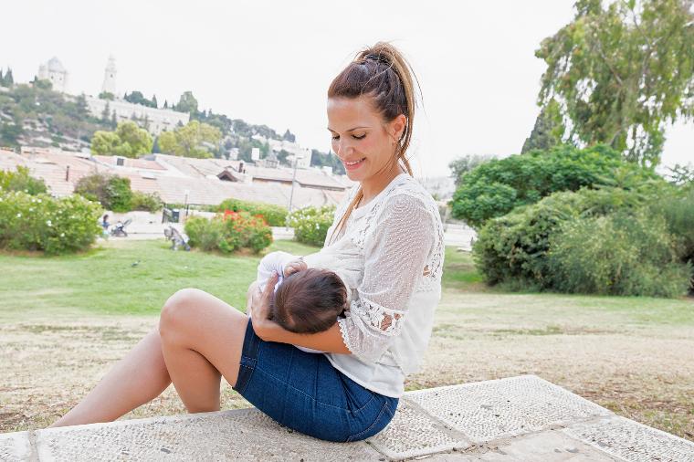 Израиль грудное вскармливание, интересно, кормление грудью, матери и младенцы, необычно, общество, рекламная кампания, фотопроект