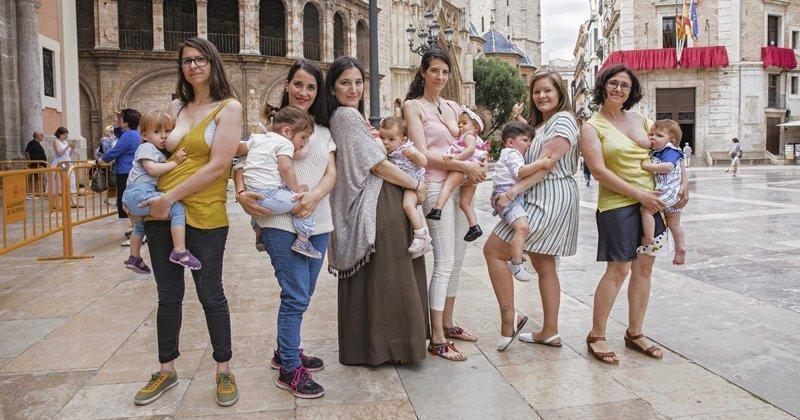 Фотопроект о грудном вскармливании прославляет кормящих матерей грудное вскармливание, интересно, кормление грудью, матери и младенцы, необычно, общество, рекламная кампания, фотопроект