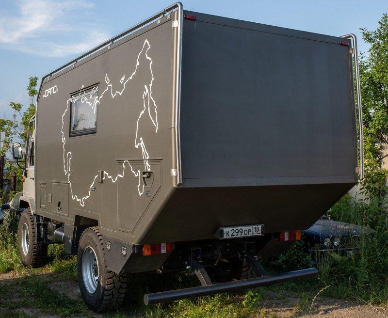 Автомобиль спроектирован и построен силами компании «ОРМО», расположенной в Ижевске. авто, внедорожник, газ, газ-66, грузовик, дом на колесах, кемпер, обзор