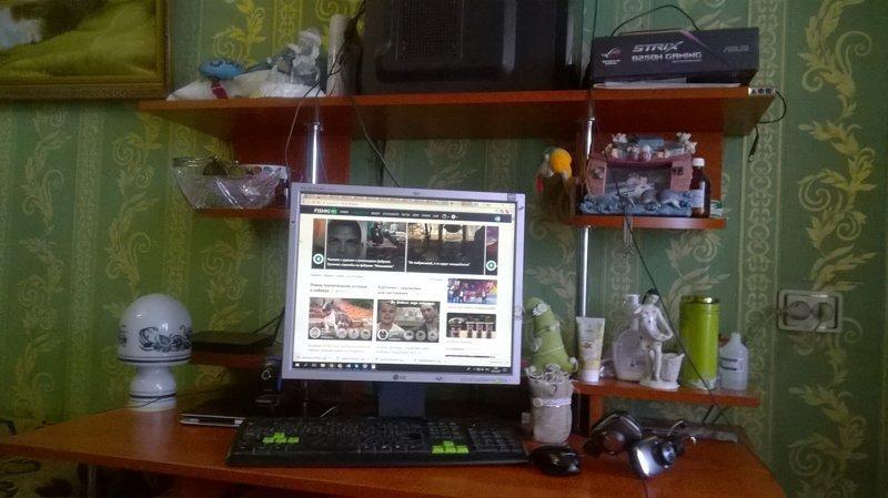 Севастополь акция, деанон, компьютеры, ноутбуки, рабочее место, россия, фоточки рабочих мест