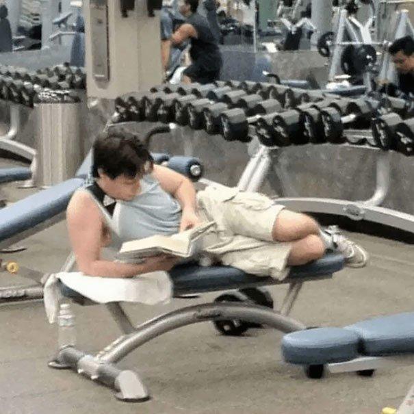 16. А вот это упражнение - прямо для меня! Забавные фото, не верь глазам, о спорт, смешные картинки, спортзал, тренировка, фитнес, юмор