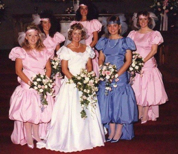 7. Подружка невесты, винтажные фото, мода, наряды, свадебные платья, свадебные снимки, смешное, юмор