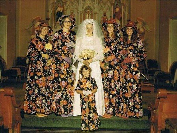 2. Подружка невесты, винтажные фото, мода, наряды, свадебные платья, свадебные снимки, смешное, юмор