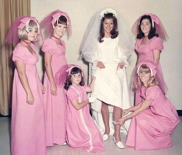 23. Подружка невесты, винтажные фото, мода, наряды, свадебные платья, свадебные снимки, смешное, юмор