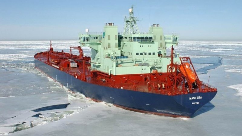 3. Как действует ледокольный танкер газовый флот, коммерческий флот, оффшорный флот, пассажирский флот, рыболовный флот, современный флот, танкерный флот, транспортный флот
