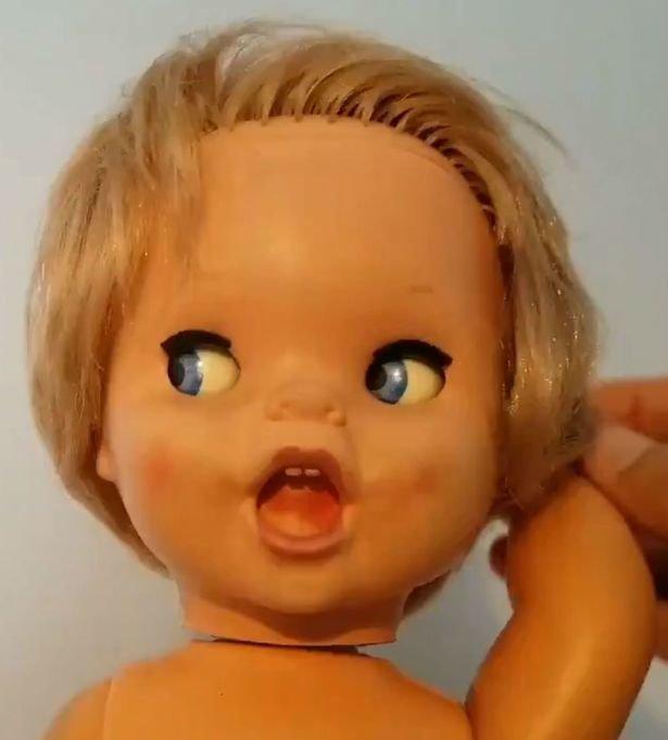 Для этого достаточно просто покрутить её руку.. детство, жуть, игрушка, кукла, прошлое
