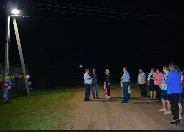 Чиновник обложил матом селян во время торжественного открытия фонаря ynews, беспредел, оскорбления, фонарь, хамство, чиновники
