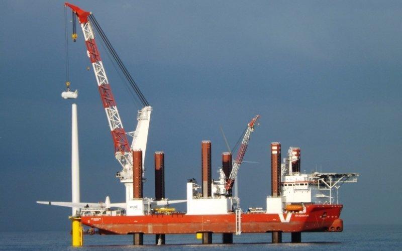 Смоподъемное морское судно для установки турбин «MPI Adventurer» газовый флот, коммерческий флот, оффшорный флот, пассажирский флот, рыболовный флот, современный флот, танкерный флот, транспортный флот