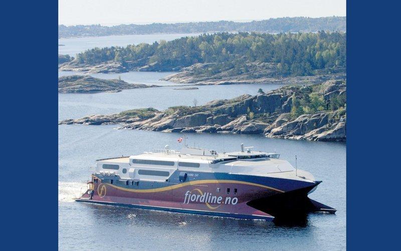 Быстроходное судно «Fjord Cat» длиной 91 м газовый флот, коммерческий флот, оффшорный флот, пассажирский флот, рыболовный флот, современный флот, танкерный флот, транспортный флот