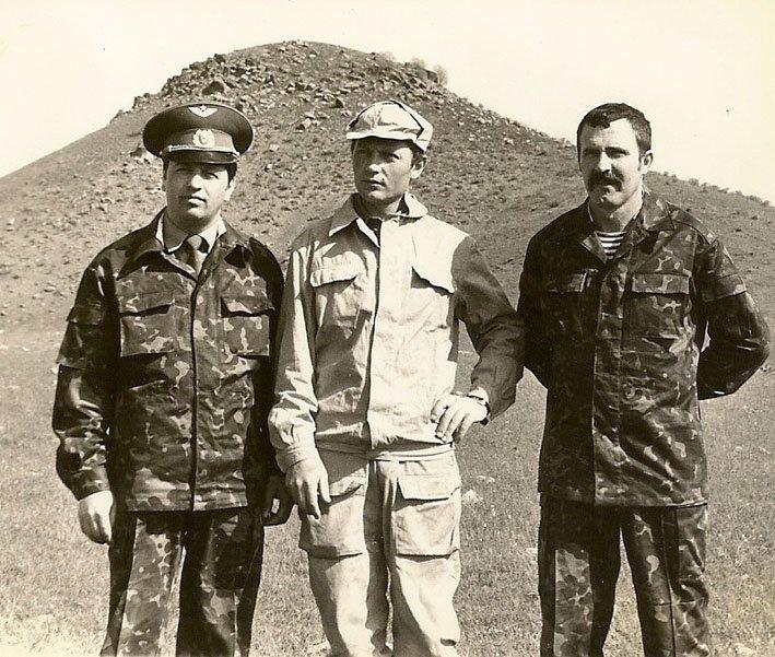 А.Хамзин (в центре) афган, война, история, факты
