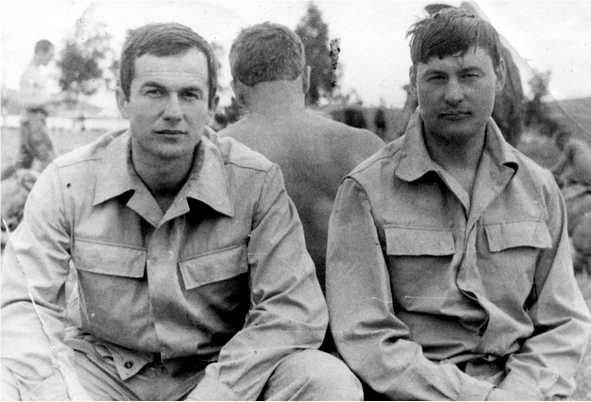 А.Хамзин (слева) афган, война, история, факты