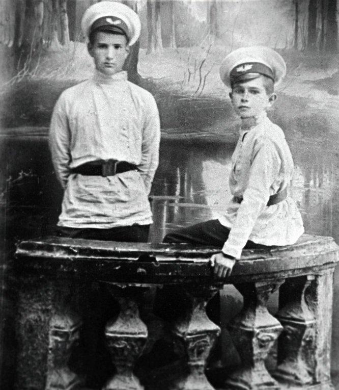 Игорь Васильевич Курчатов с братом биография, детство, интересное, конструкторы, ученые