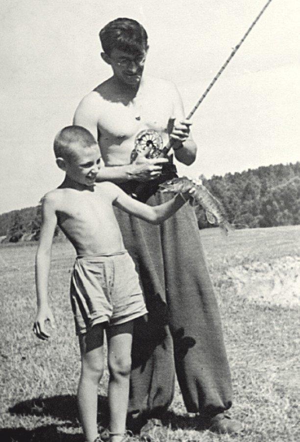 Игорь Яковлевич Стечкин с отцом на рыбалке биография, детство, интересное, конструкторы, ученые