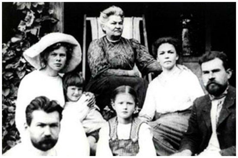 Олег Константинович Антонов с семьей (маленький мальчик с мамой) биография, детство, интересное, конструкторы, ученые