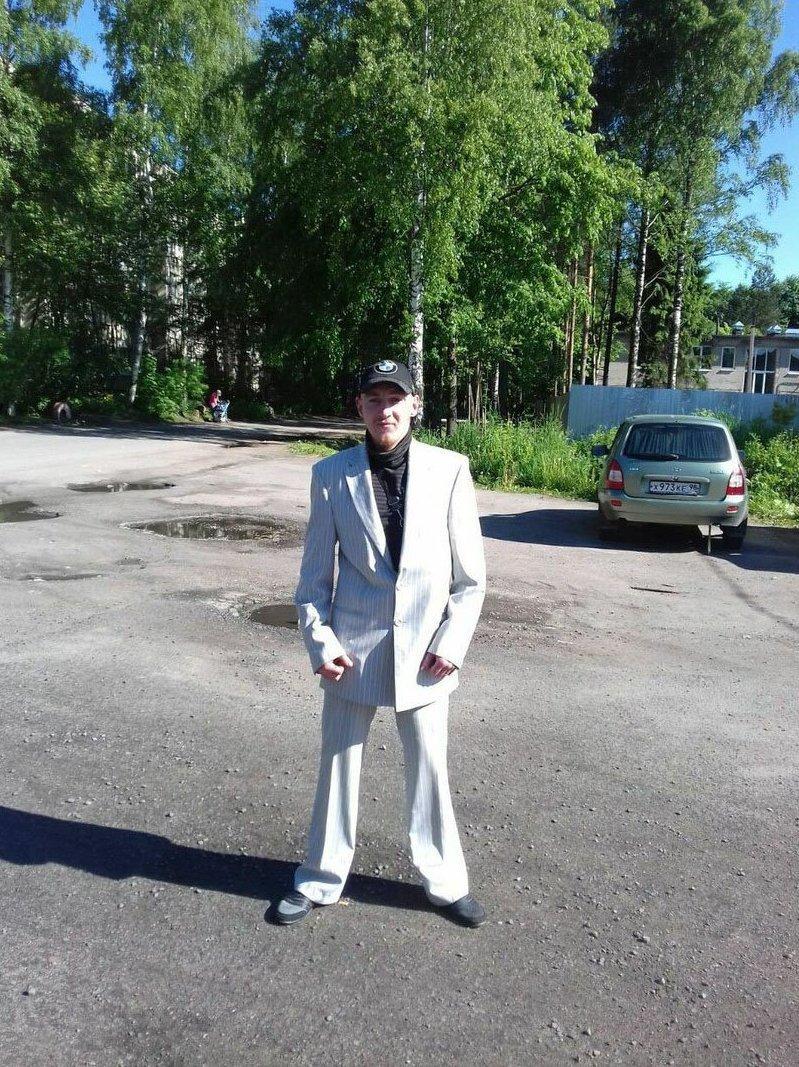 Классический костюм - это 78% успеха деревня, прикол, челка, четкость, юмор