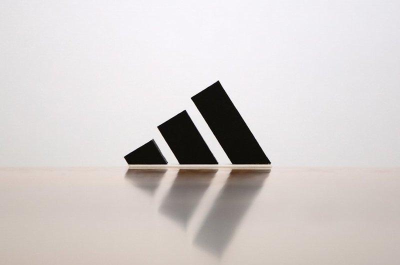 1. Adidas бытовые предметы, дизайнер, идея, креатив, логотип, фантазия