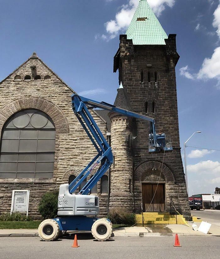 Эту церковь в Детройте не чистили с момента постройки 134 года назад все сверкает, до и после, мойка, на уборку становись, результаты уборки, уборка, чистка, чистота залог здоровья